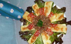 Тёплый салат «Цветок»