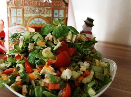 Салат «Два цвета» авокадо+креветки +овощи