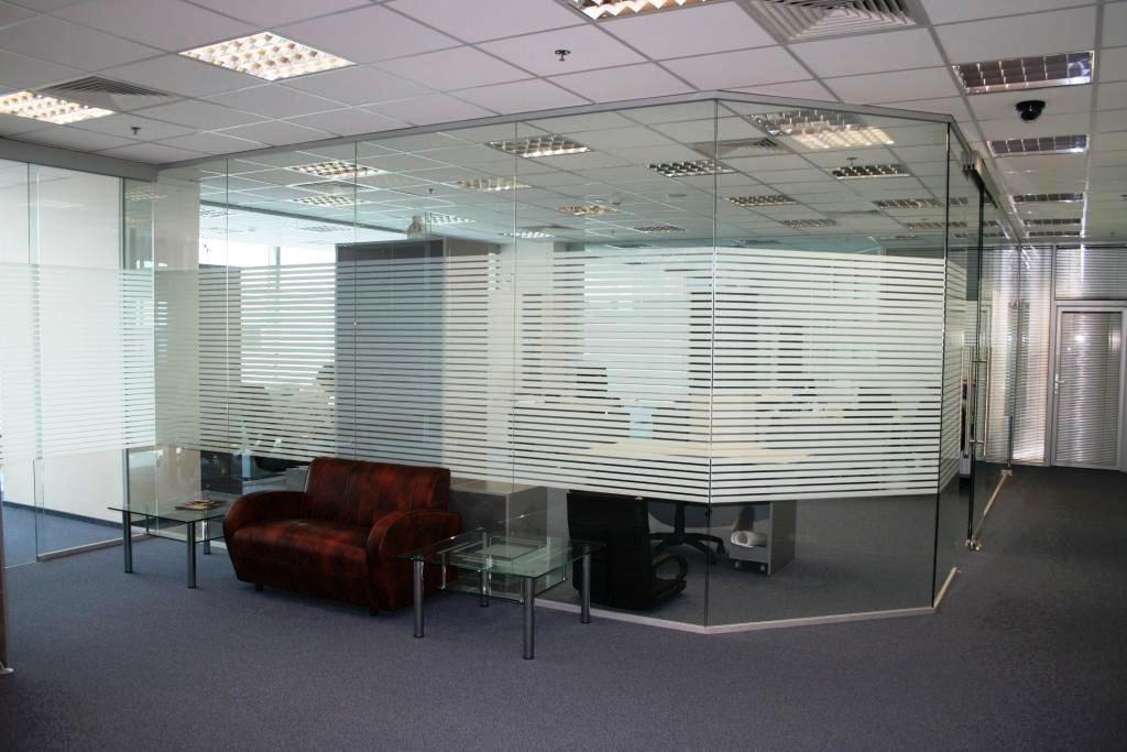 Стационарные перегородки для офисов и квартир