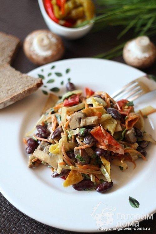 Грибной салат с пеперончини и красной фасолью