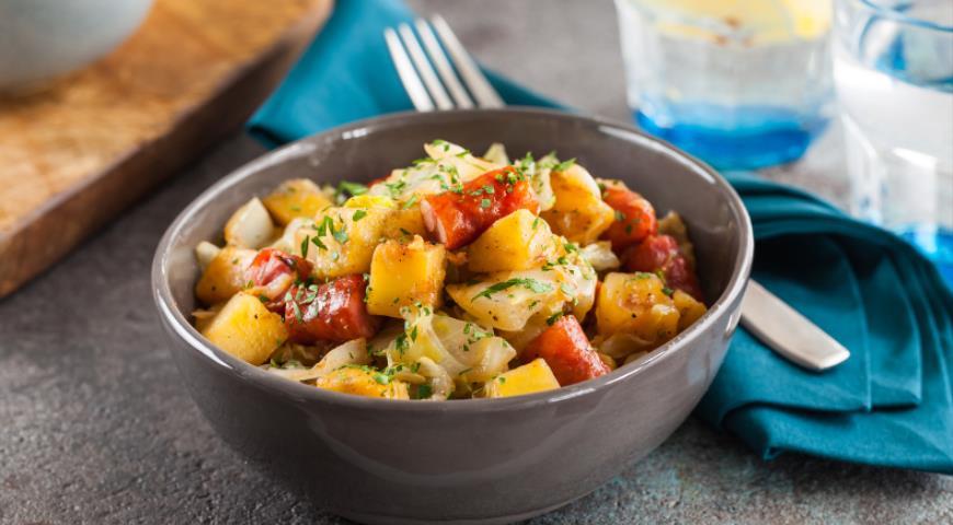 Быстрое рагу с капустой и картофелем