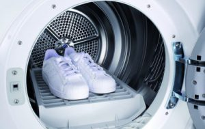 Как правильно постирать кроссовки в машинке?