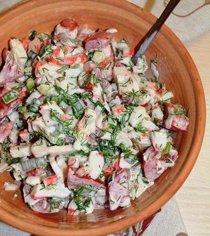 Салат с крабовыми палочками «Лёгкий»