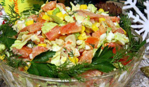 Салат с кальмарами «Пестрый»