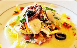 Салат из осьминога с картофельным крем-супом и белым сельдереем