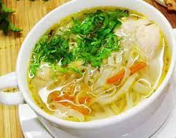 Суп из индейки с блинами и яйцом