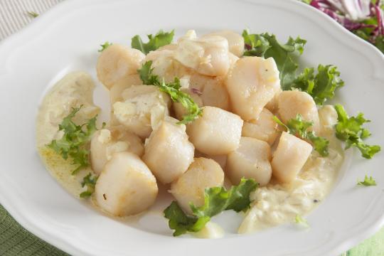 Морские гребешки с шафрановым соусом