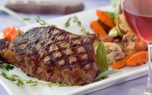 Этикет и блюда из мяса