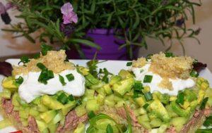 «Желанный» салат с киноа и печенью трески