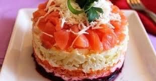 Салат с сёмгой и свеклой