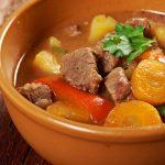 Овощное рагу с мясом: приготовь на обед
