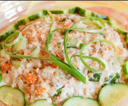 Салат из горбуши с рисом