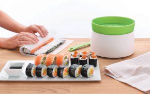 Суши. Впечатлите других своими суши-роллами, используя бамбуковый коврик для суши!