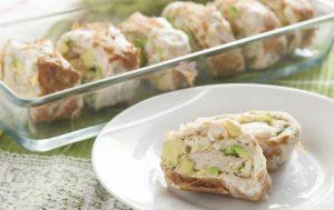 Закусочные рулетики с тунцом и авокадо