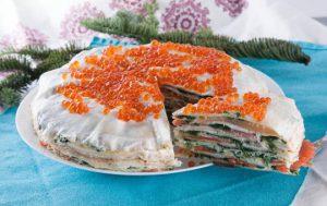 Блинный тортик с неркой, шпинатом и сыром