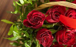 Необычные идеи: 3 рецепта из лепестков роз