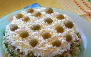 Салат с печенью трески (вариант)