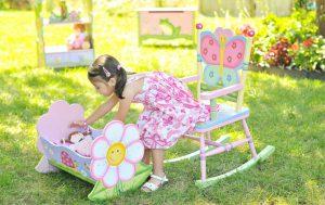 Идеи для комфортной детской: уютное кресло качалка