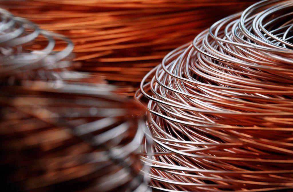 Медные провода принимают дорого