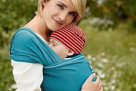 Удобно и комфортно — трикотажный слинг для современной мамы с ребенком