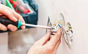 Под завершение ремонта – купить розетки и выключатели