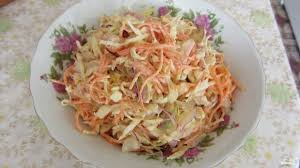 Салат с курицей, перцем и морковью