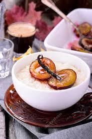 Рисовый пудинг с карамельными фруктами