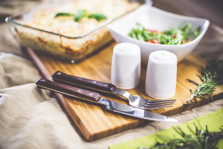 Как организовать ночной перекус без вреда для фигуры?