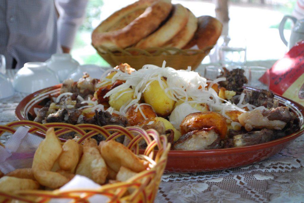 Киргизская кухня: куырдак – жаркое из мясопродуктов