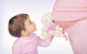 5 способов подготовить остальных детей к новой беременности