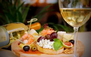 Белое вино к морепродуктам: выбираем с умом