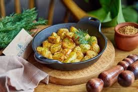 Салат из молодого картофеля с укропом и хреном