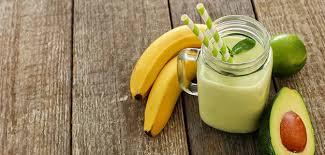 Смузи из авокадо и банана