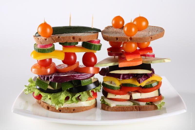 Чем вреден фаст-фуд или почему нам нужен полноценный обед?