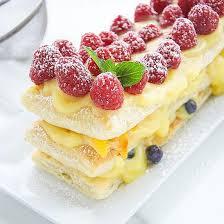 Слоеное йогуртовое пирожное