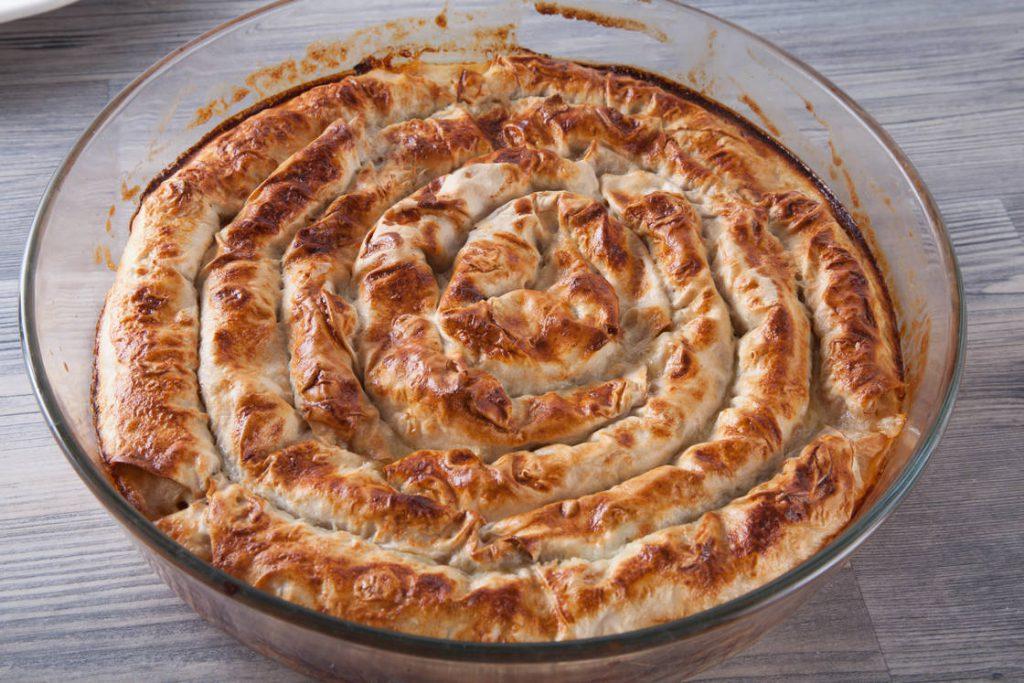 Пирог улитка с сырно-грибной начинкой