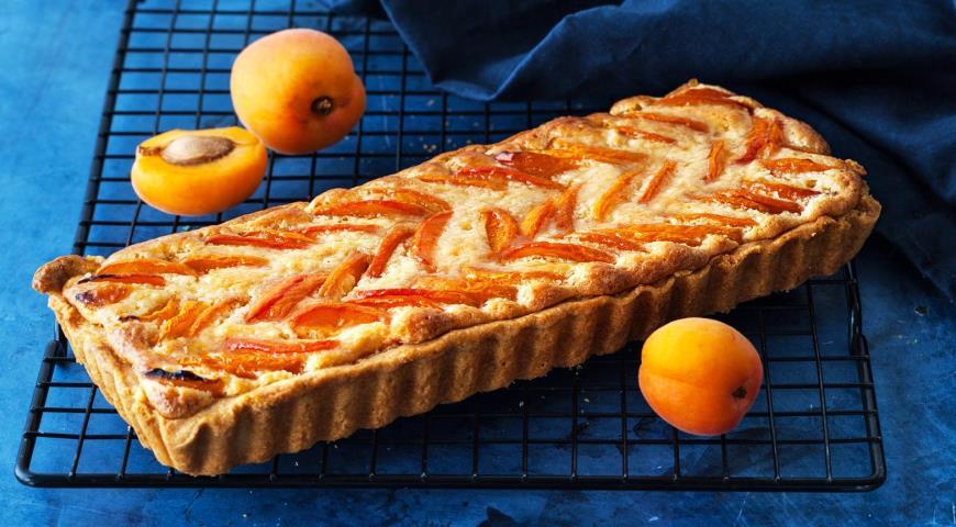 Тарт с абрикосамии франжипаном