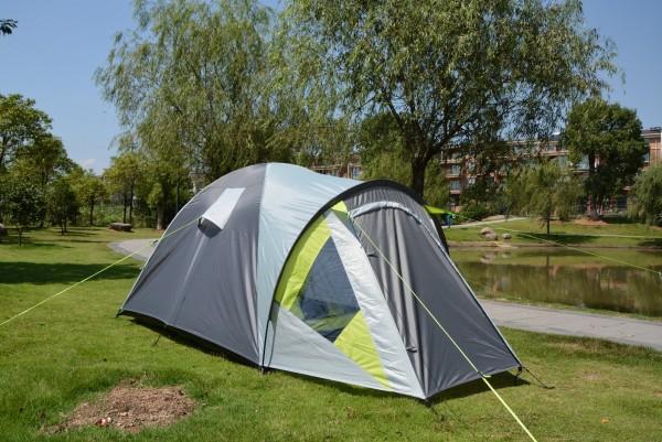 Лето — время для приобретения туристической палатки