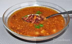 Овощной суп с фасолью и копченостями