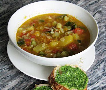 Овощной суп с песто