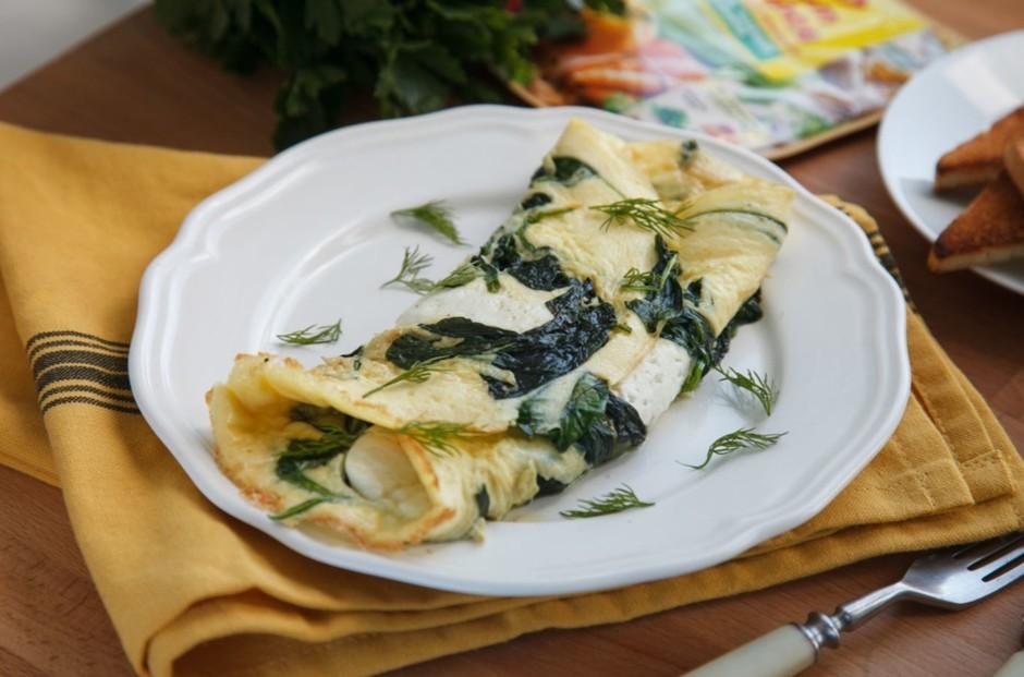Запеченный омлет со шпинатом и сыром