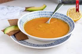 Суп с чечевицей и жареной вермишелью