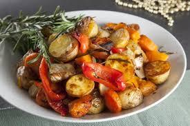 Печеные овощи с пряными травами