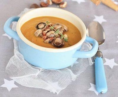 «Тройной рыжий суп» с бататом, тыквой и морковью