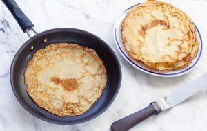 Блины – дело тонкое: правила выбора идеальной блинной сковороды