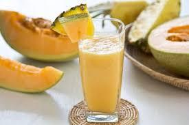 Дынный смузи с лимоном и мятой