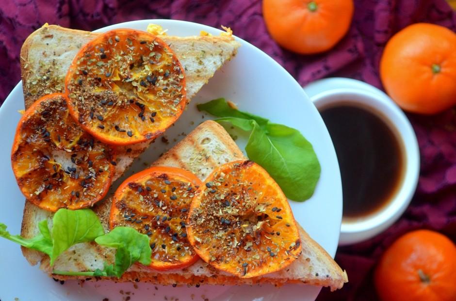 Салатный сэндвич с клементинами и качоттой