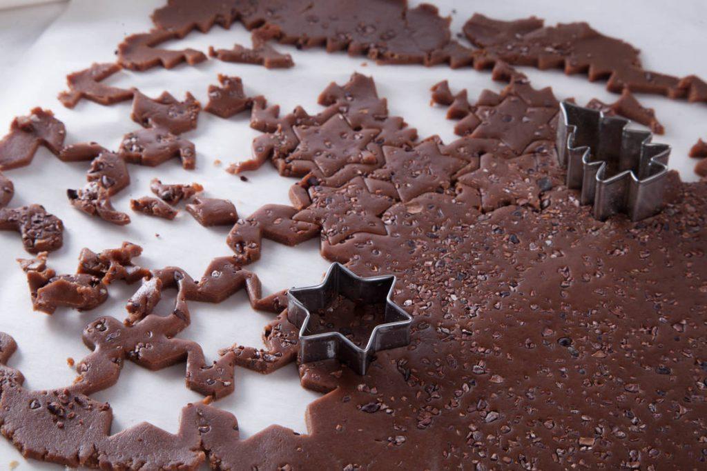 Шоколадное печенье с какао-крупкой
