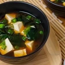Суп из тофу и кинзы (Сянцай Доуфу Тан)