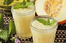 Смузи из дыни и фруктового сока